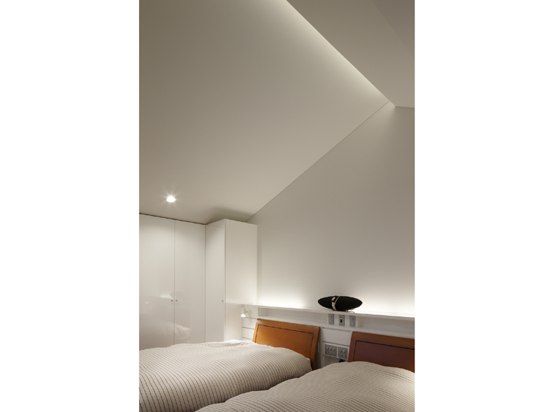 5levels-house-bedroom