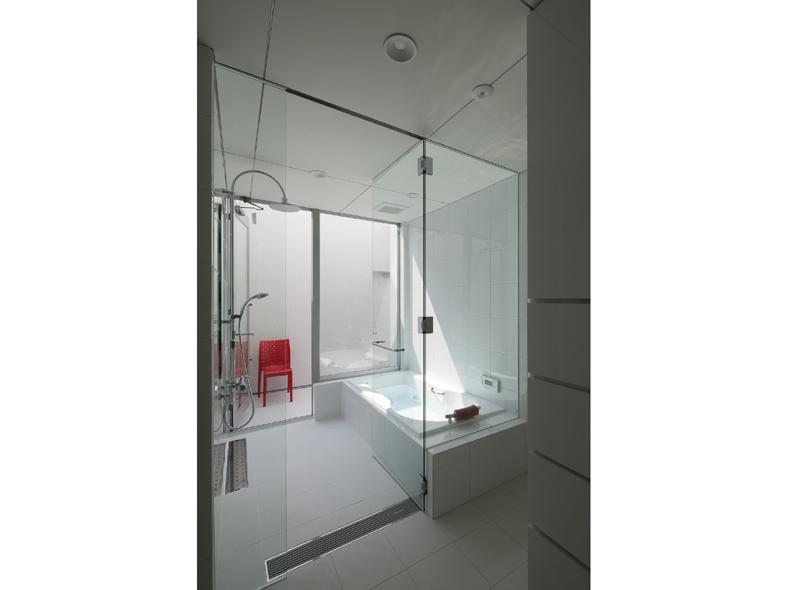 6Court-House-Bathroom