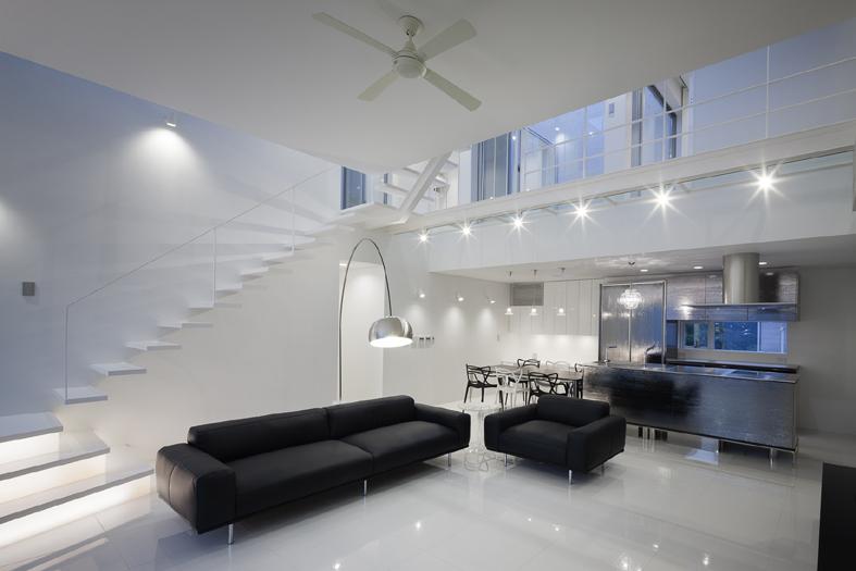 6Court-House-Living