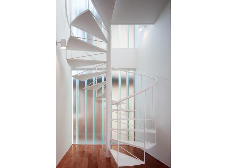Example-House-kaidan-1