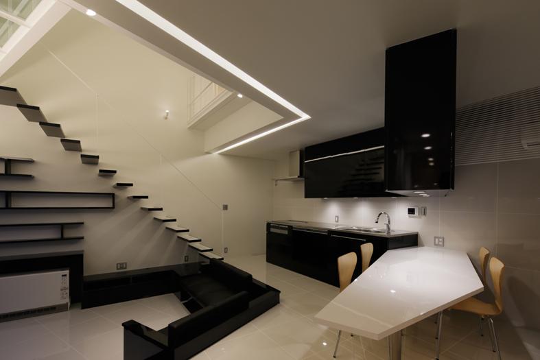 Nico-House_kaidan