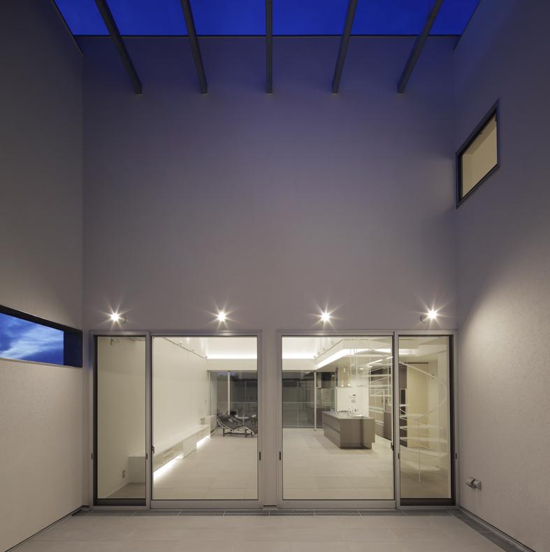 Niconiwa-House-Court-2